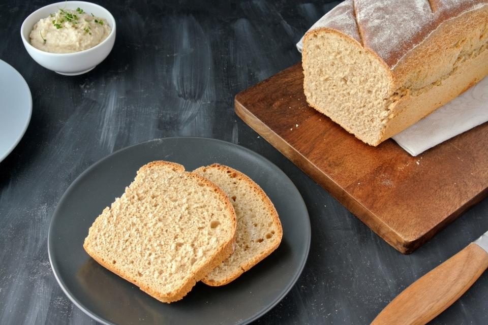 Kváskový špaldový toastový chlieb